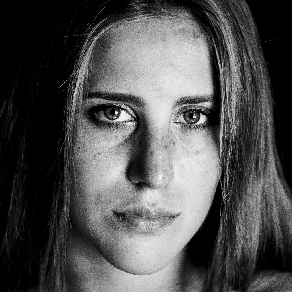 Portrait-carre-6-Chloe.jpg